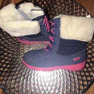 Sz 9 Toddler Girls Winter Boots!!